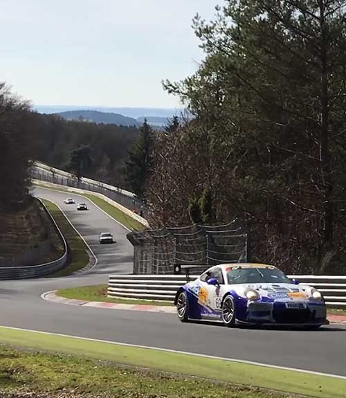 ZF Race Engineering bij de VLN Langstreckenmeisterschaft op de Nürburgring.